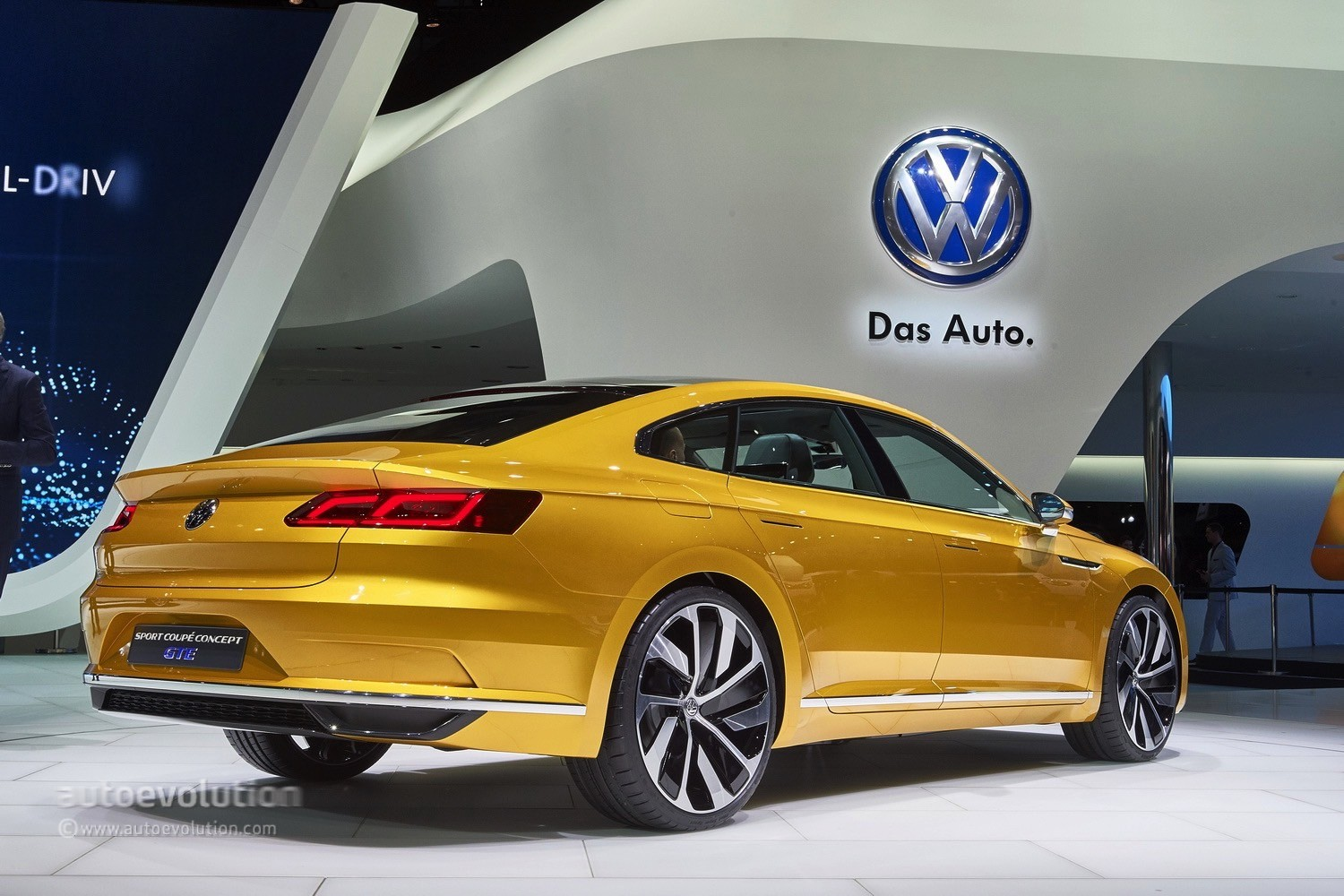 volkswagen 39 s arteon four door coupe could get a seat version autoevolution. Black Bedroom Furniture Sets. Home Design Ideas