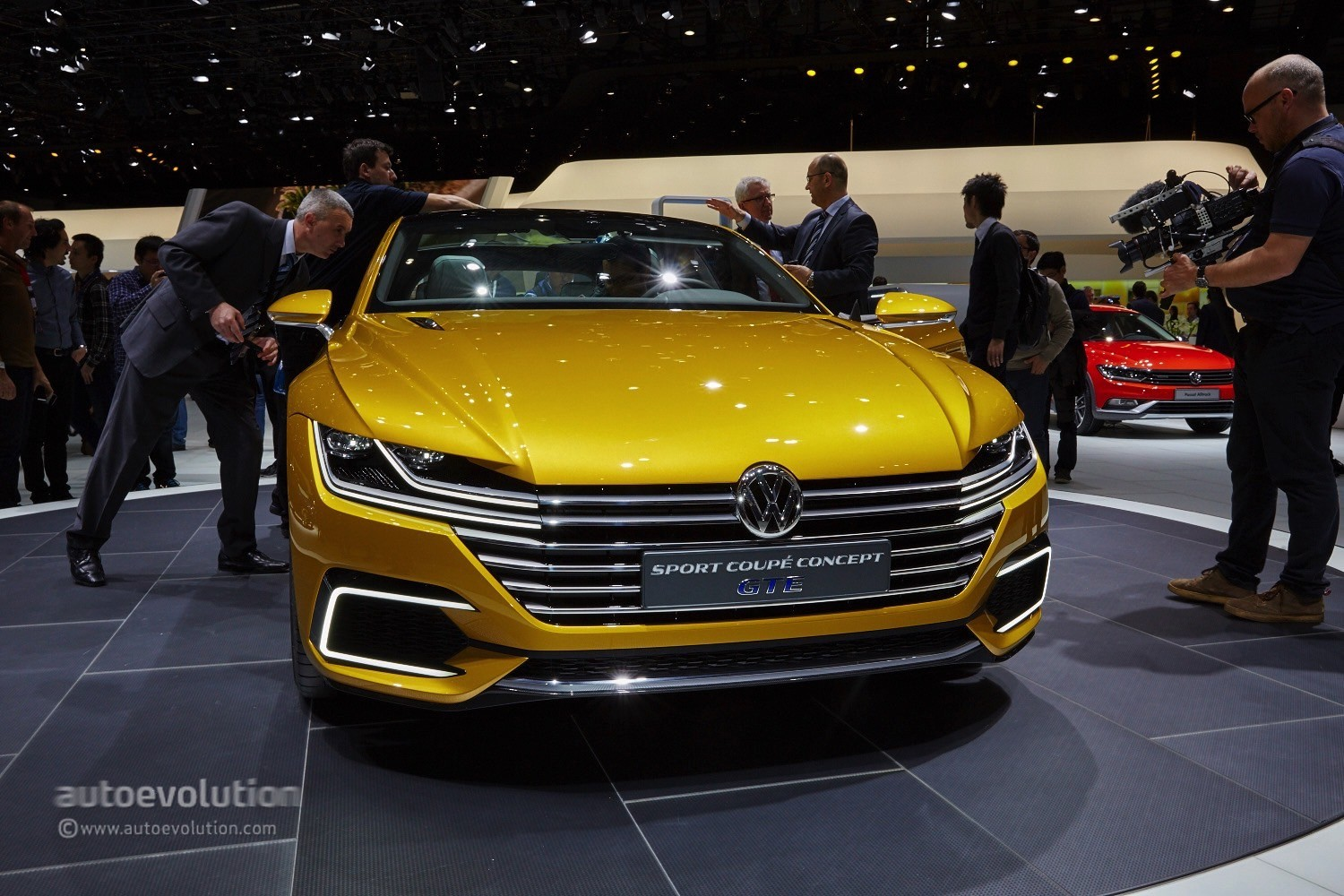 Volkswagen's Arteon Four-Door Coupe Could Get a SEAT Version ...