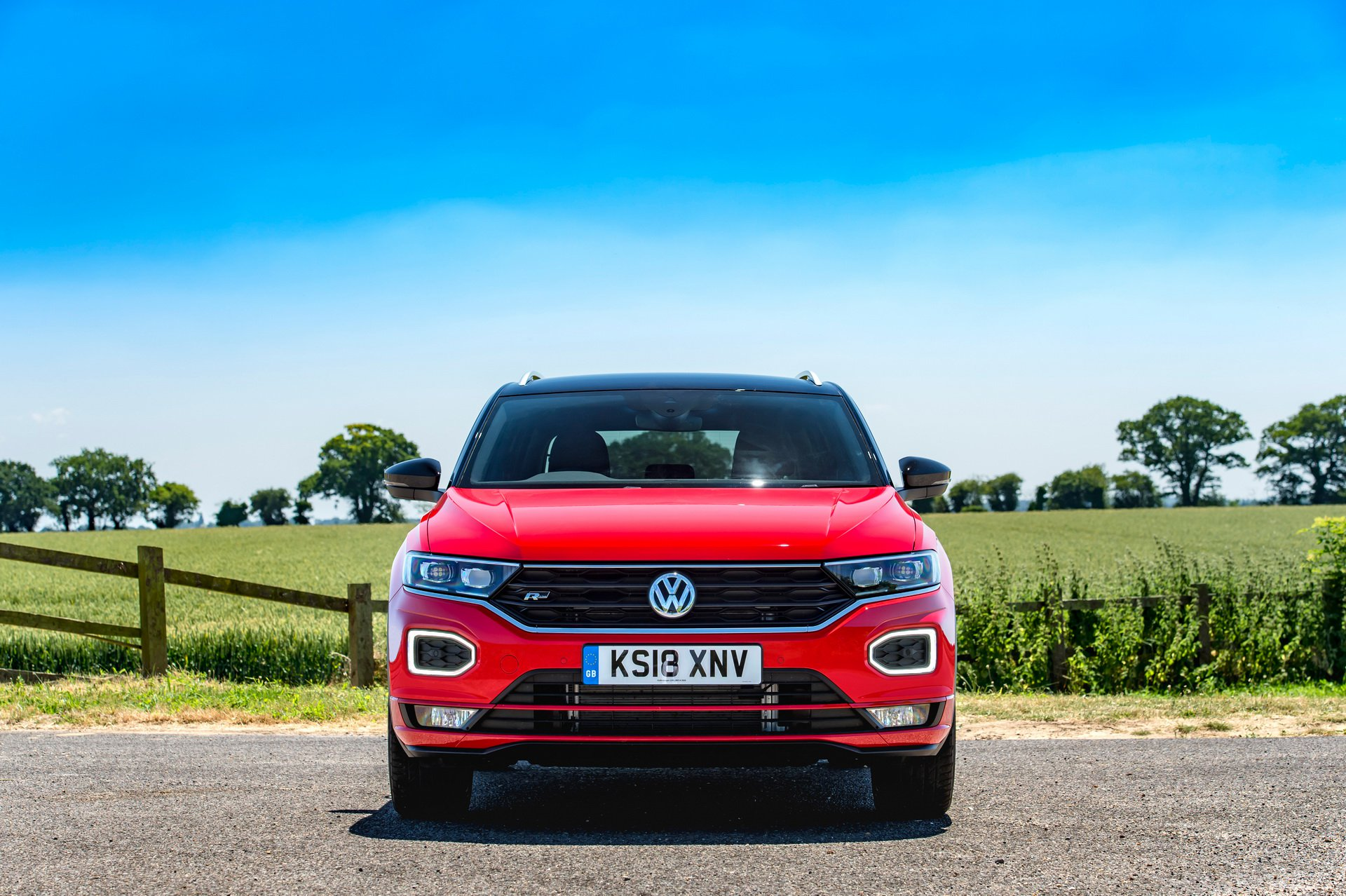 volkswagen t roc 1 6 tdi with 115 hp launched in britain. Black Bedroom Furniture Sets. Home Design Ideas