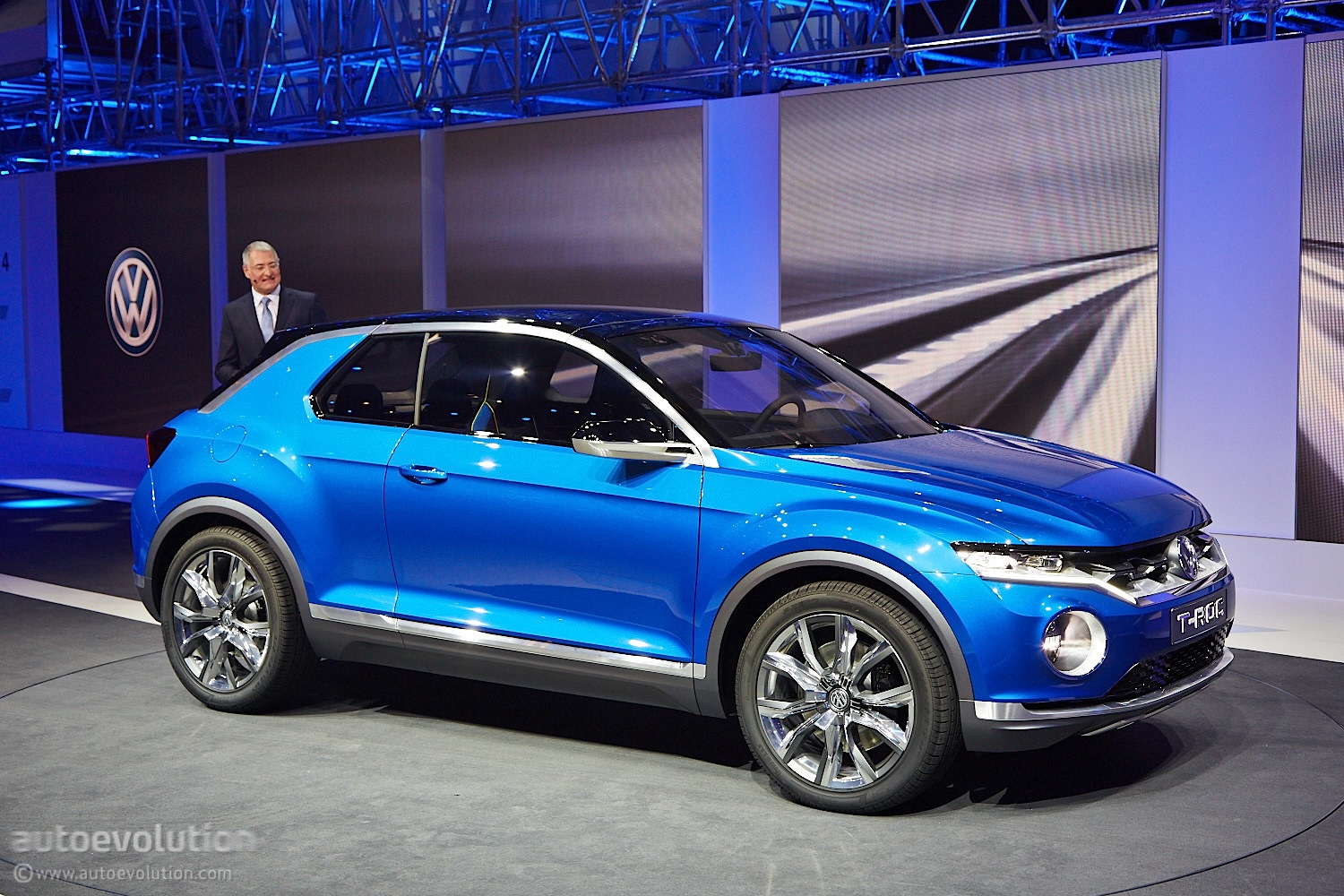 Volkswagen T-Roc Concept Hints at Future Crossover [Live Photos] - autoevolution