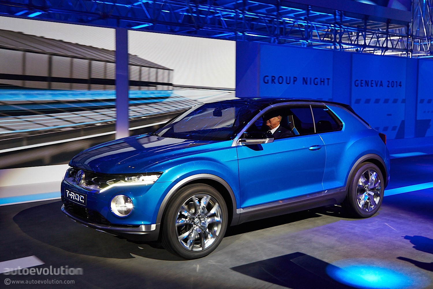 Volkswagen T-Roc Concept Hints at Future Crossover [Live ...