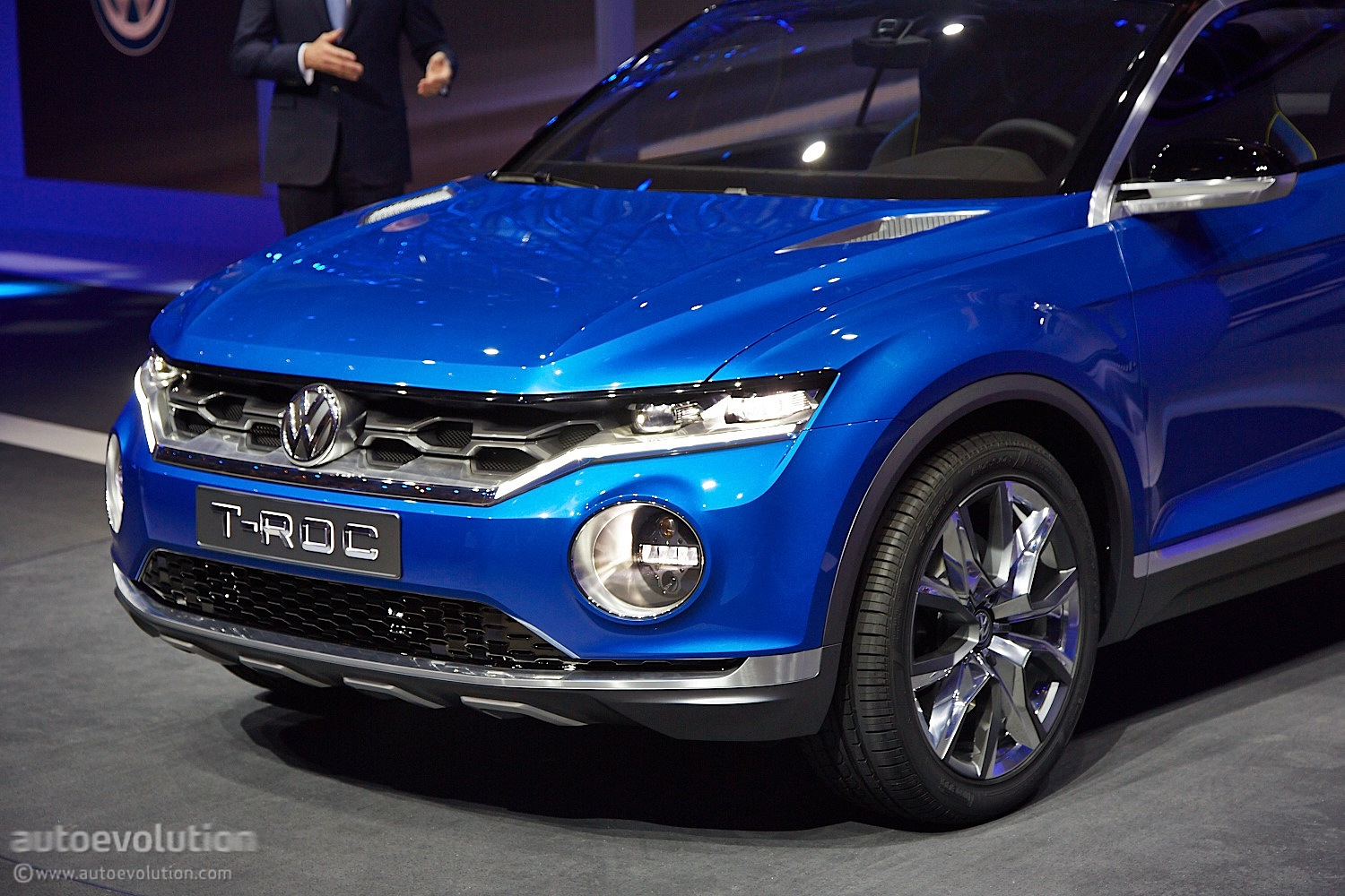 volkswagen t roc will go on sale in late 2017 autoevolution. Black Bedroom Furniture Sets. Home Design Ideas