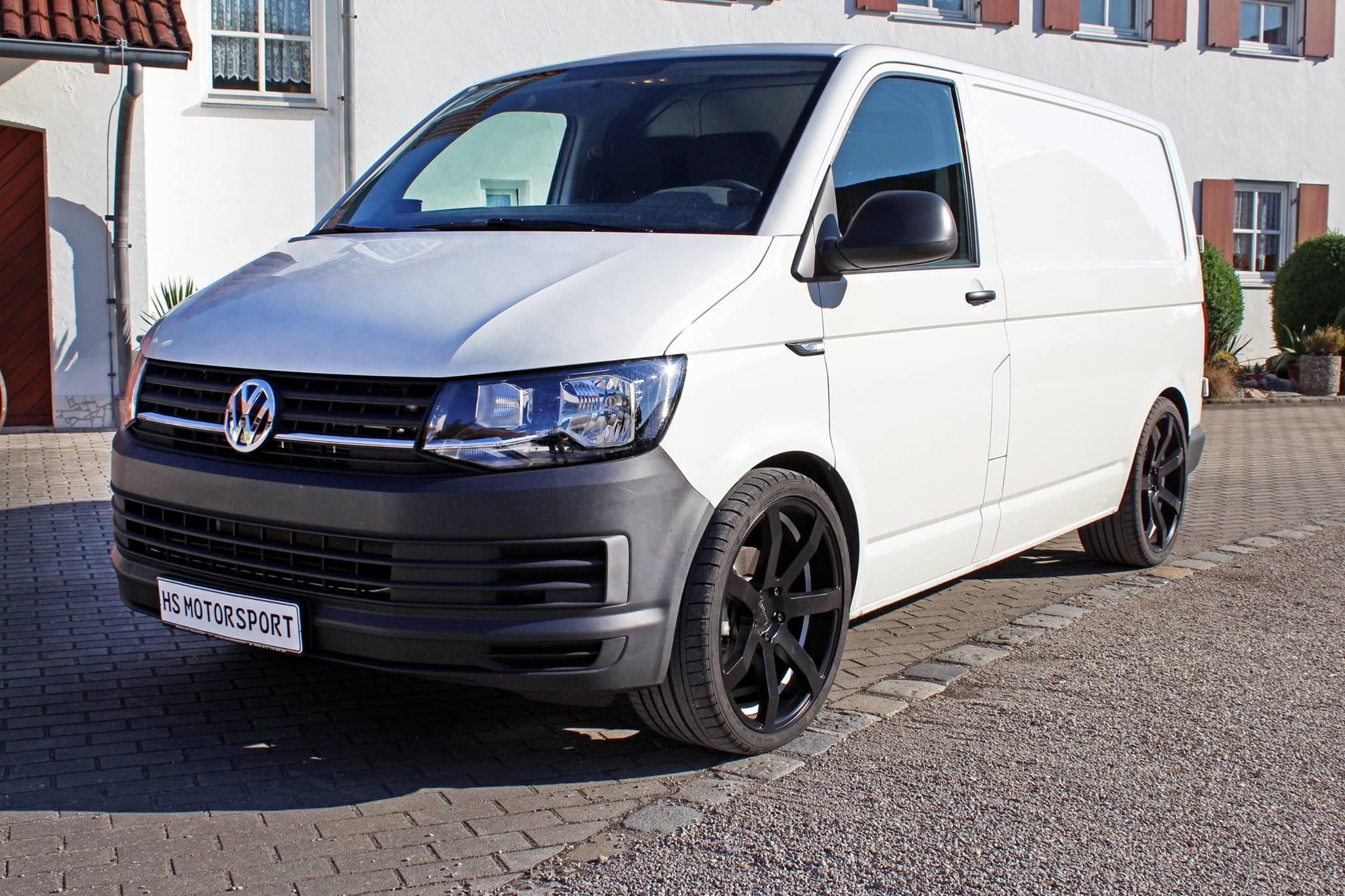 volkswagen t6 transporter 2 0 tdi tuned by hs motorsport autoevolution. Black Bedroom Furniture Sets. Home Design Ideas