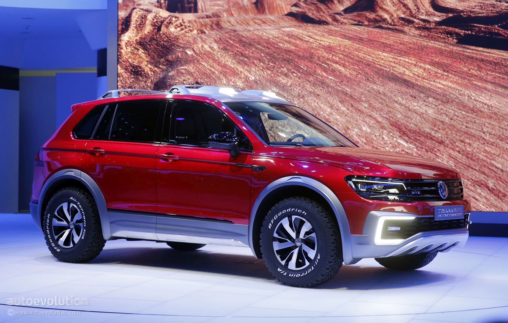 2017 Volvo Xc90 Hybrid >> Volkswagen Tiguan GTE Active Concept Is a RWD-Based Sporty ...