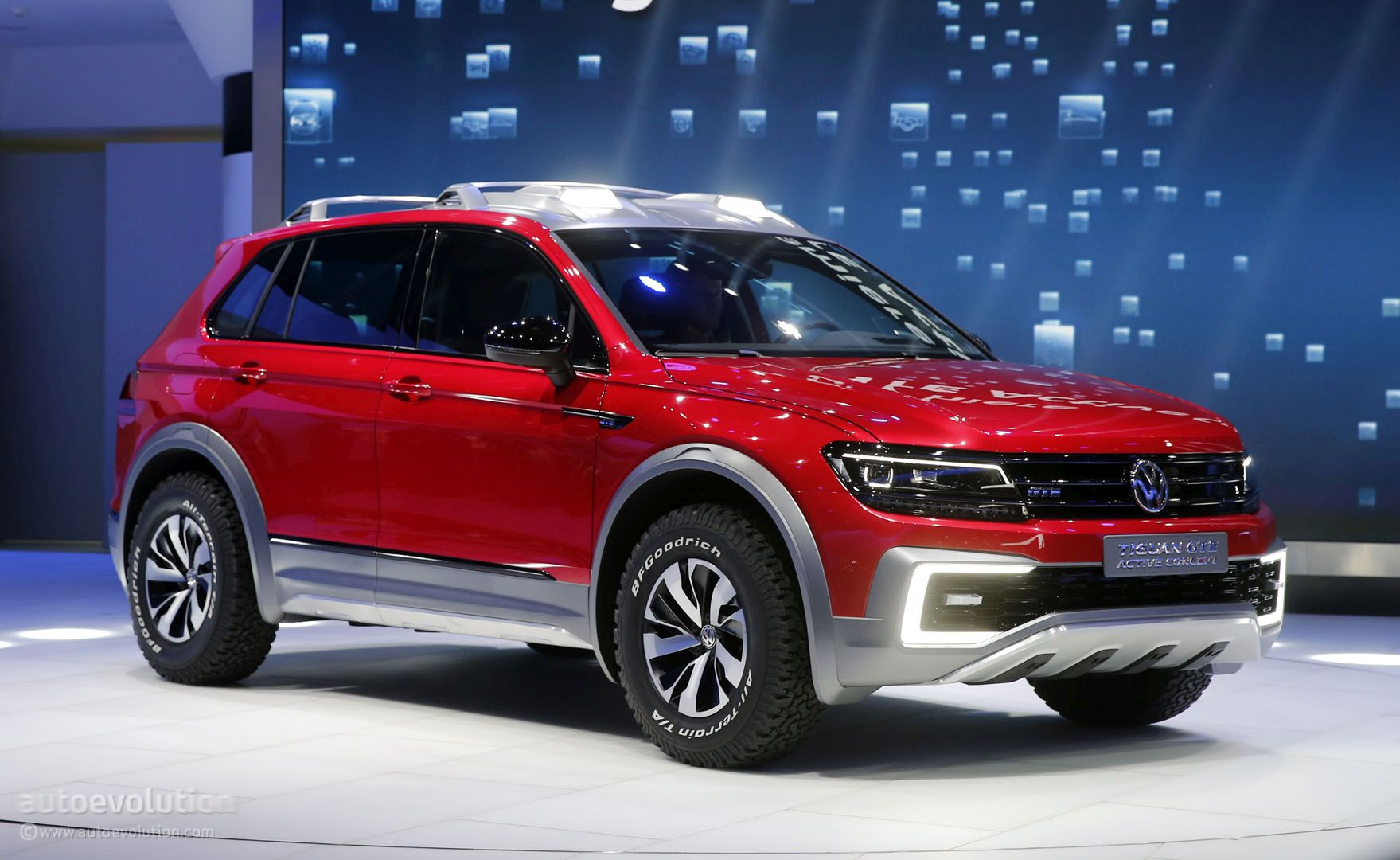 volkswagen tiguan gte active concept is a rwd based sporty. Black Bedroom Furniture Sets. Home Design Ideas