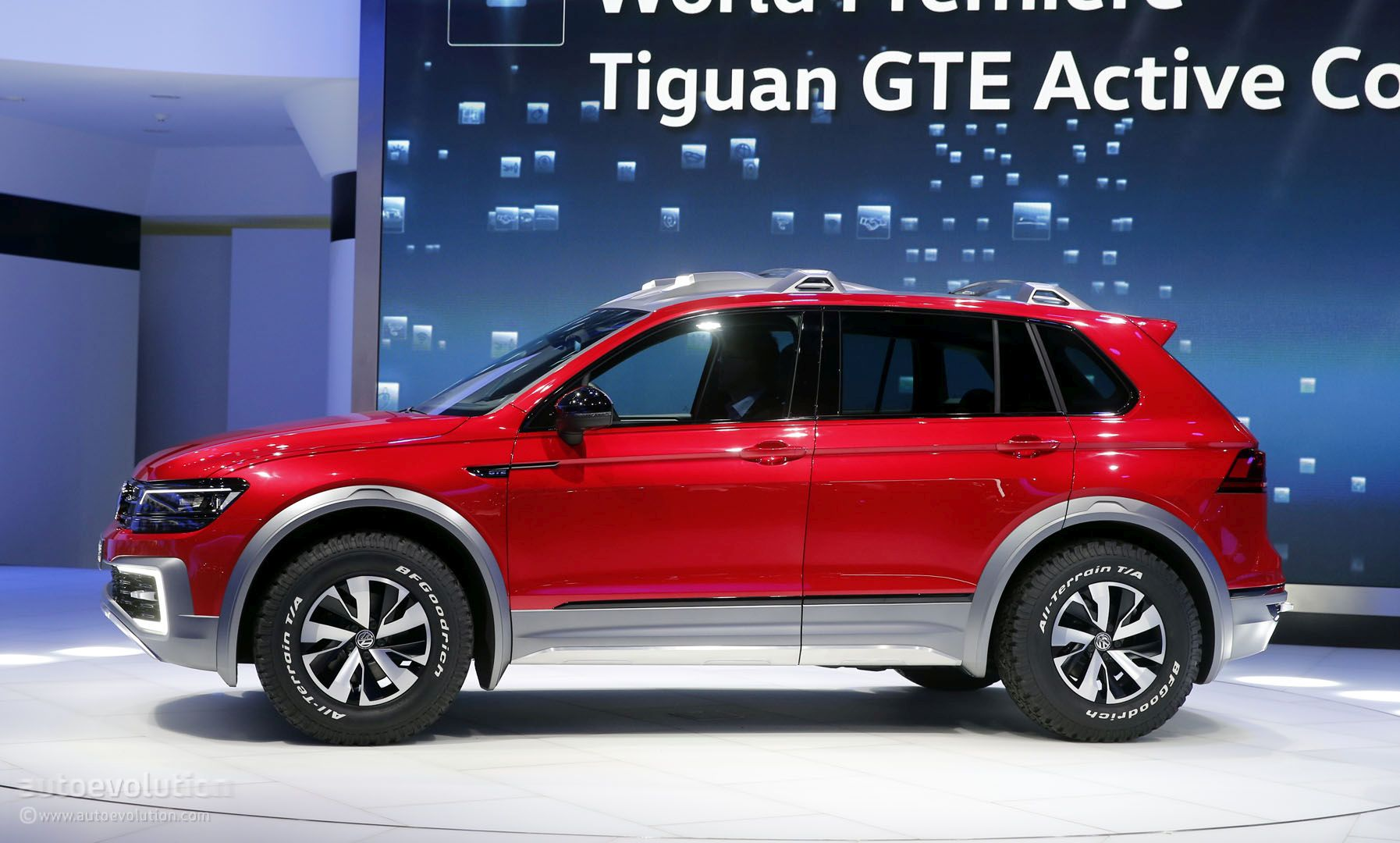 volkswagen tiguan gte active concept is a rwd based sporty hybrid in detroit autoevolution. Black Bedroom Furniture Sets. Home Design Ideas