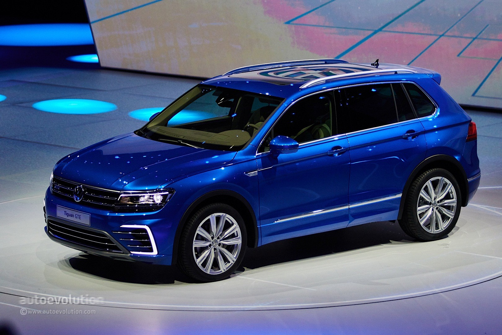 Volkswagen Tiguan GTE Concept Revealed with 218 PS and 50 ...