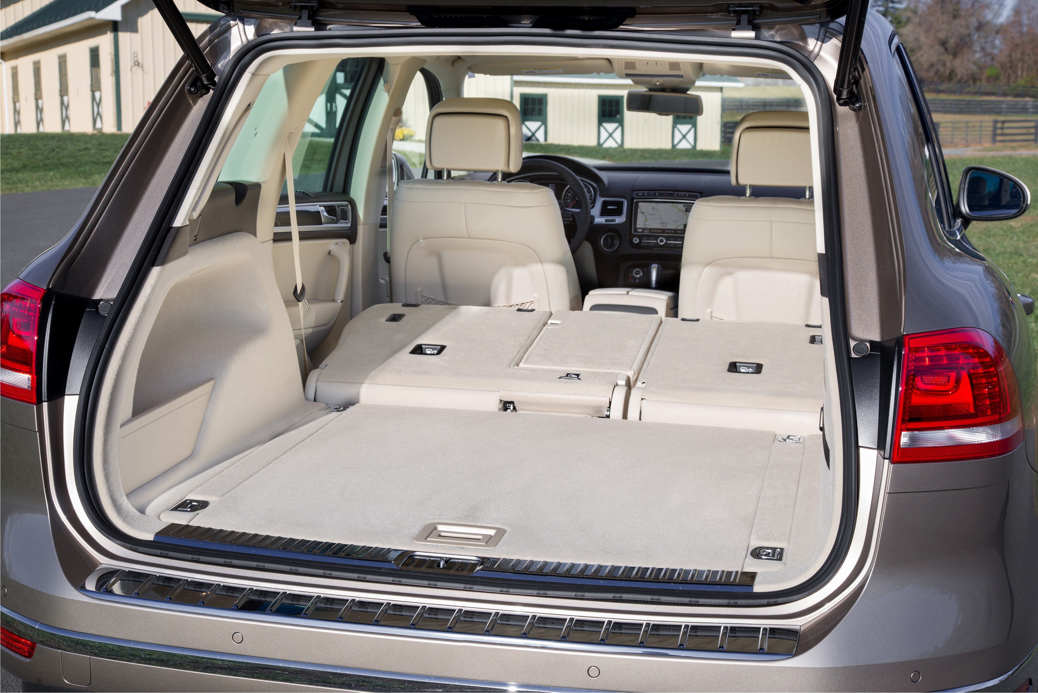in volkswagen car sell cardetails touareg mycar recent bahrain img bh buy