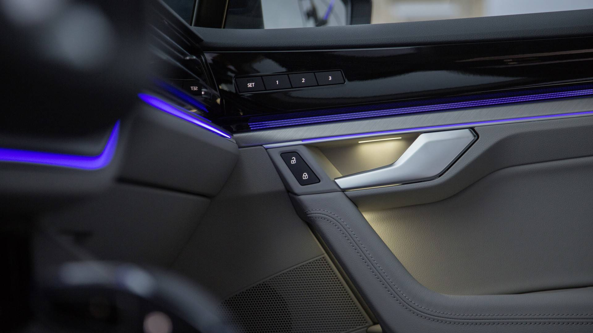 Volkswagen Touareg First Interior Images Reveal Edgy, Modern Design - autoevolution