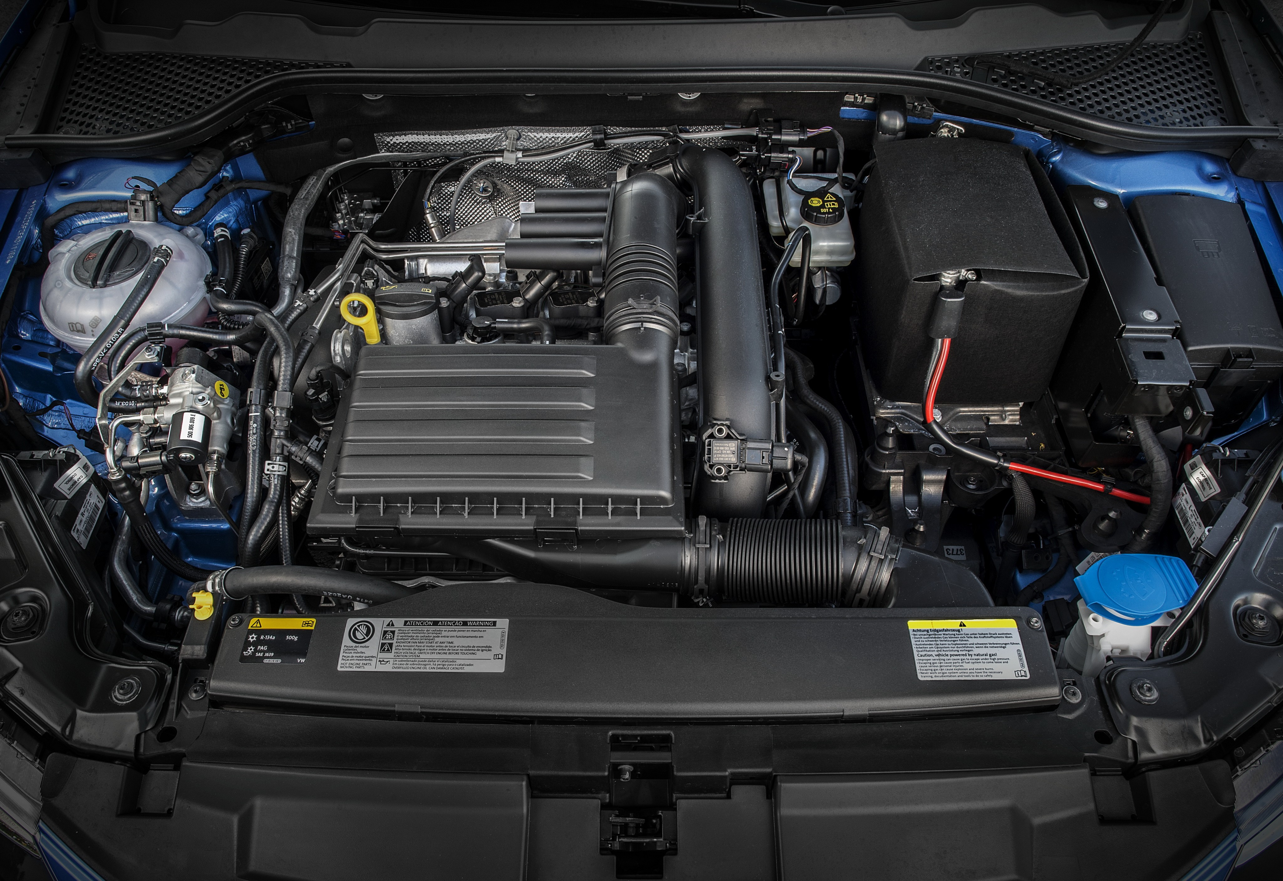 Volkswagen Unveils 1 0 TGI Turbo Engine That Runs on Natural Gas