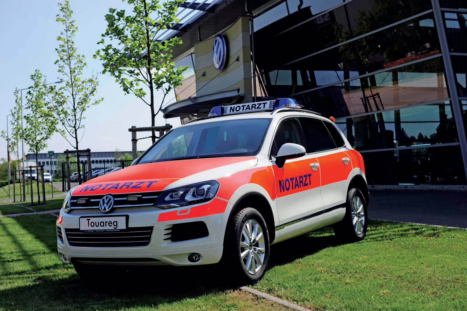 Volkswagen Unveils Emergency Vehicles At 2011 Rettmobil