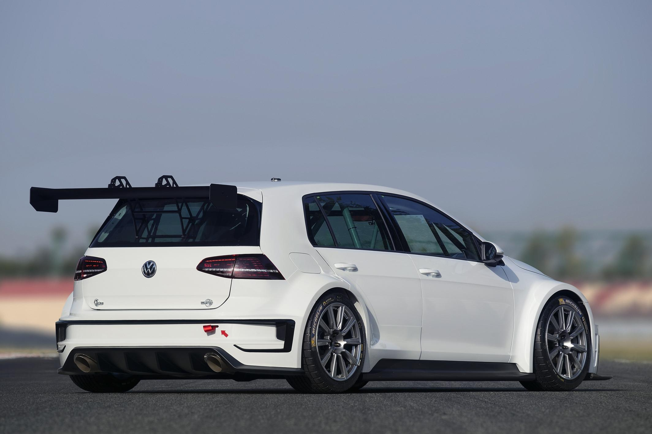 Volkswagen Unveils Golf Racecar With 330 Hp Based On
