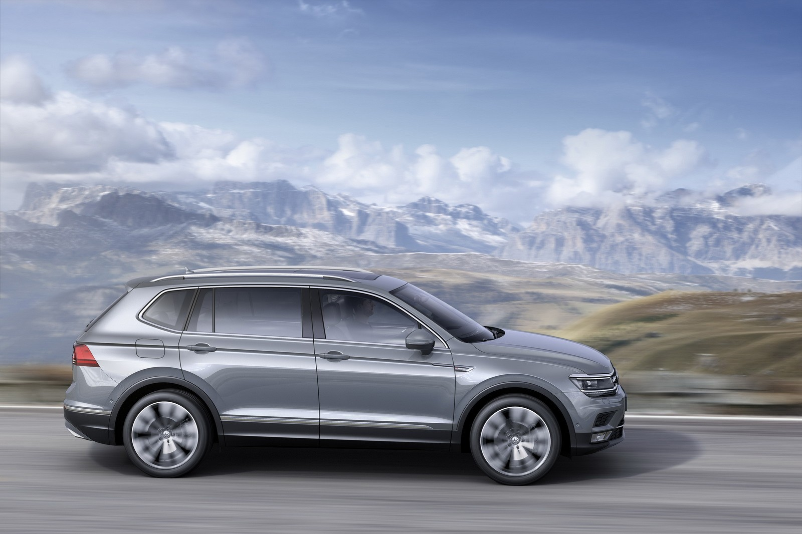 volkswagen unveils tiguan allspace 7 seater for europe we want a vin check autoevolution. Black Bedroom Furniture Sets. Home Design Ideas