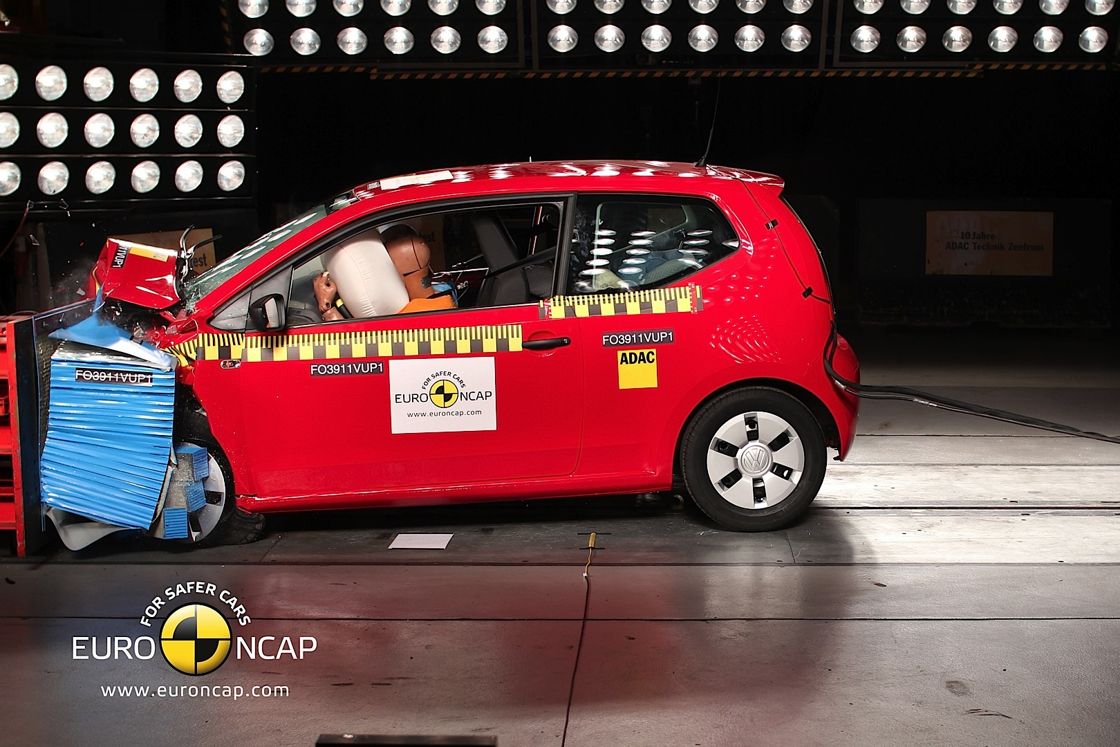 volkswagen up gets 5 star euro ncap rating autoevolution. Black Bedroom Furniture Sets. Home Design Ideas