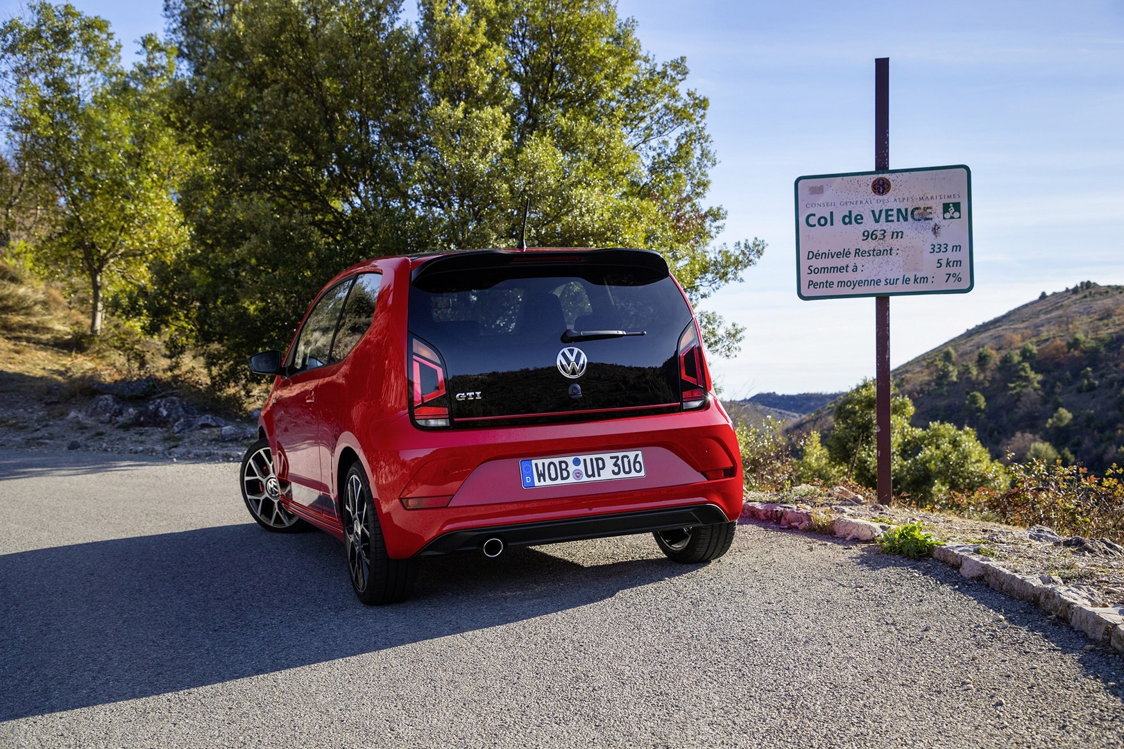 volkswagen up gti review just right or not enough. Black Bedroom Furniture Sets. Home Design Ideas