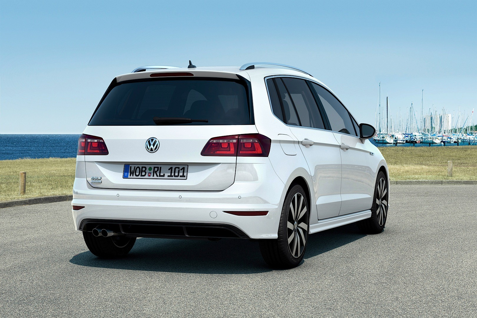 Volskwagen Golf Sportsvan Gets R-Line Package for the Exterior and Interior - autoevolution