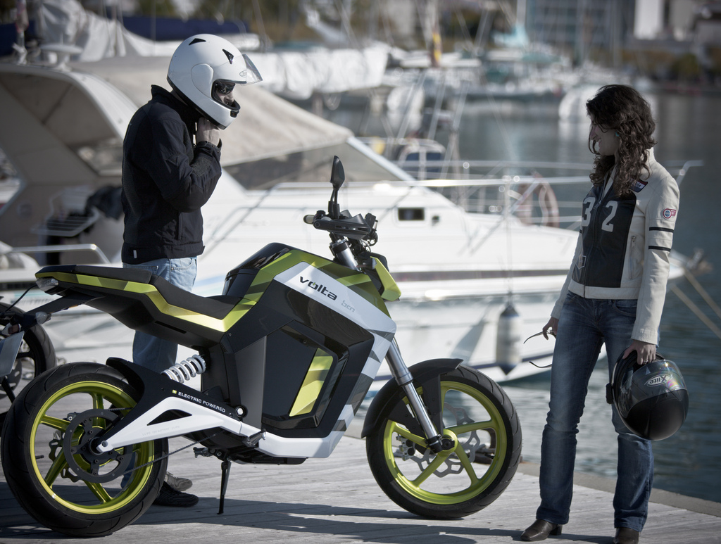 volta bcn motorcycle electric sport fun autoevolution newsletter mobility solution control