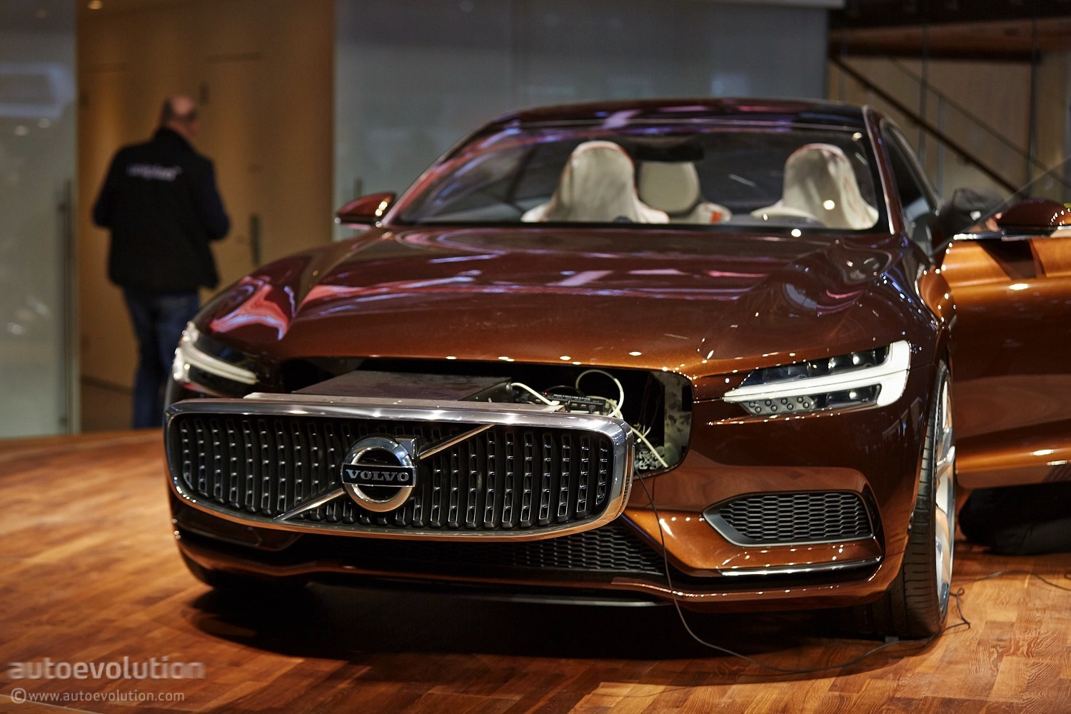 volvo concept estate at geneva motor show 2014