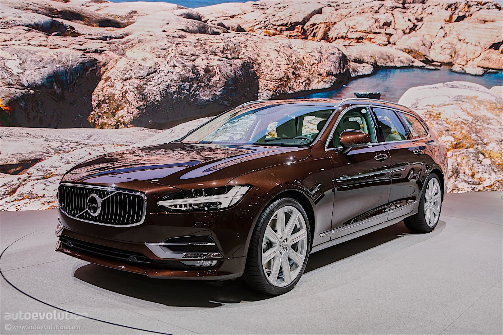 Volvo's Swedish Corner of Geneva Reveals V40 Facelift and ...