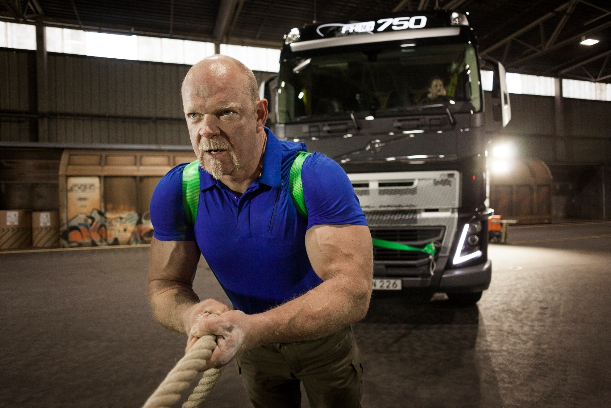 Volvo Reveals the Abilities of Its New Truck by Pulling a ...