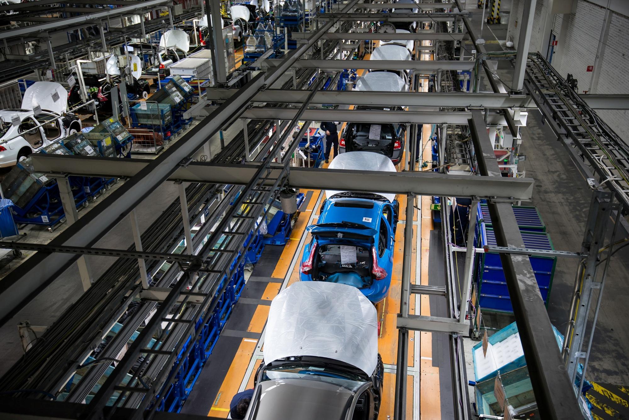 Volvo S60 and V60 Polestar Production Starts in Sweden - autoevolution