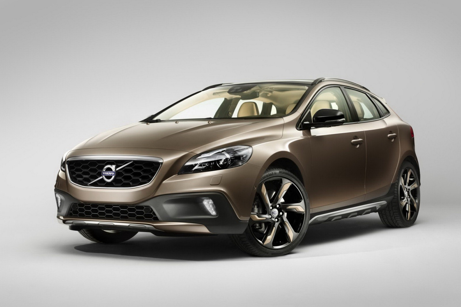 volvo shows off new v40 cross country ahead of paris autoevolution. Black Bedroom Furniture Sets. Home Design Ideas