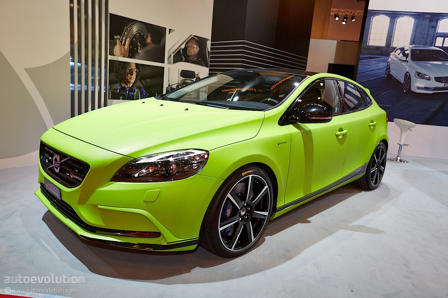 Volvo V40 T5 HPC Arrives at Essen 2013 [Live Photos] - autoevolution