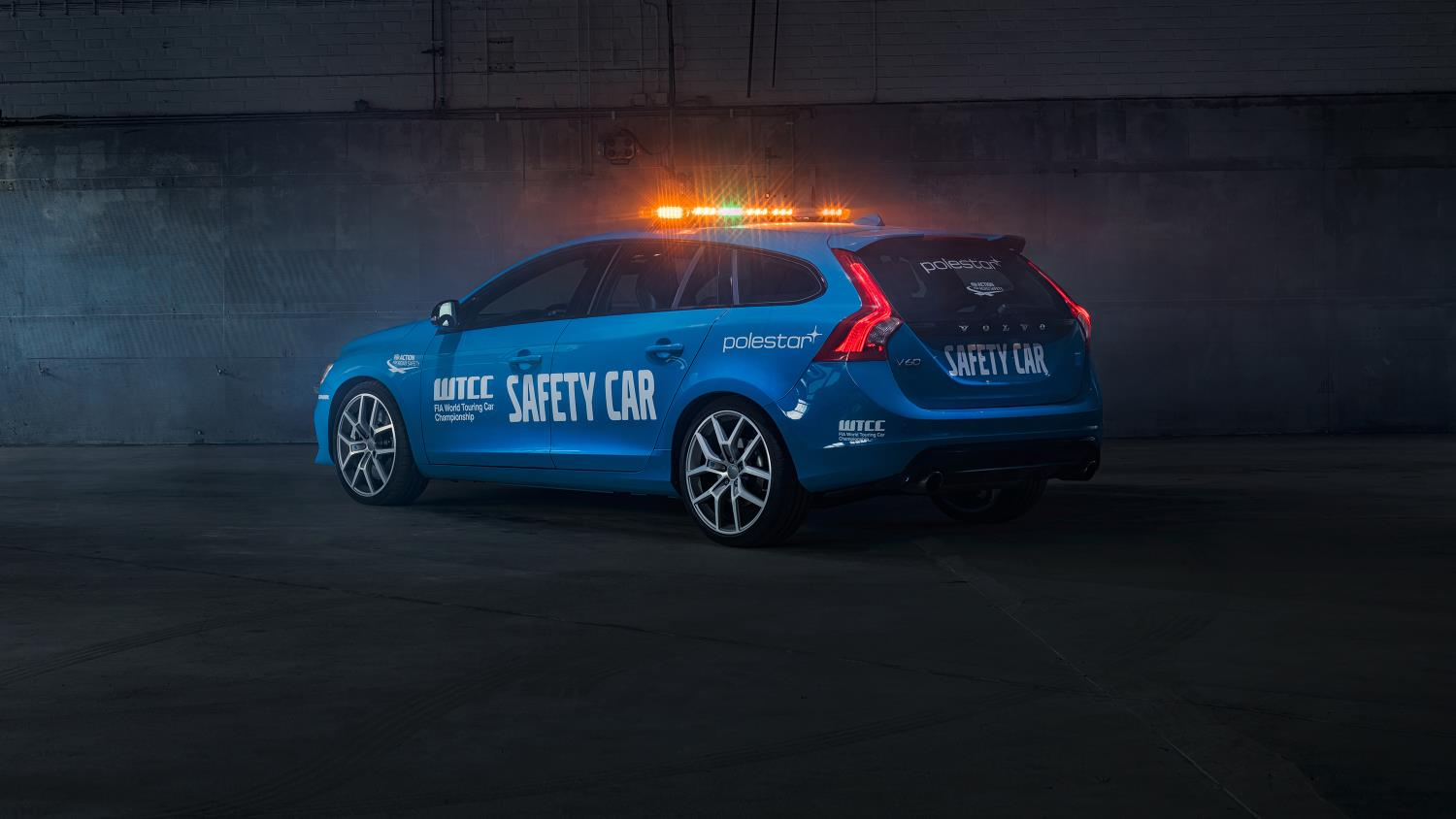 Volvo V60 Polestar Is the 2016 WTCC Safety Car - autoevolution