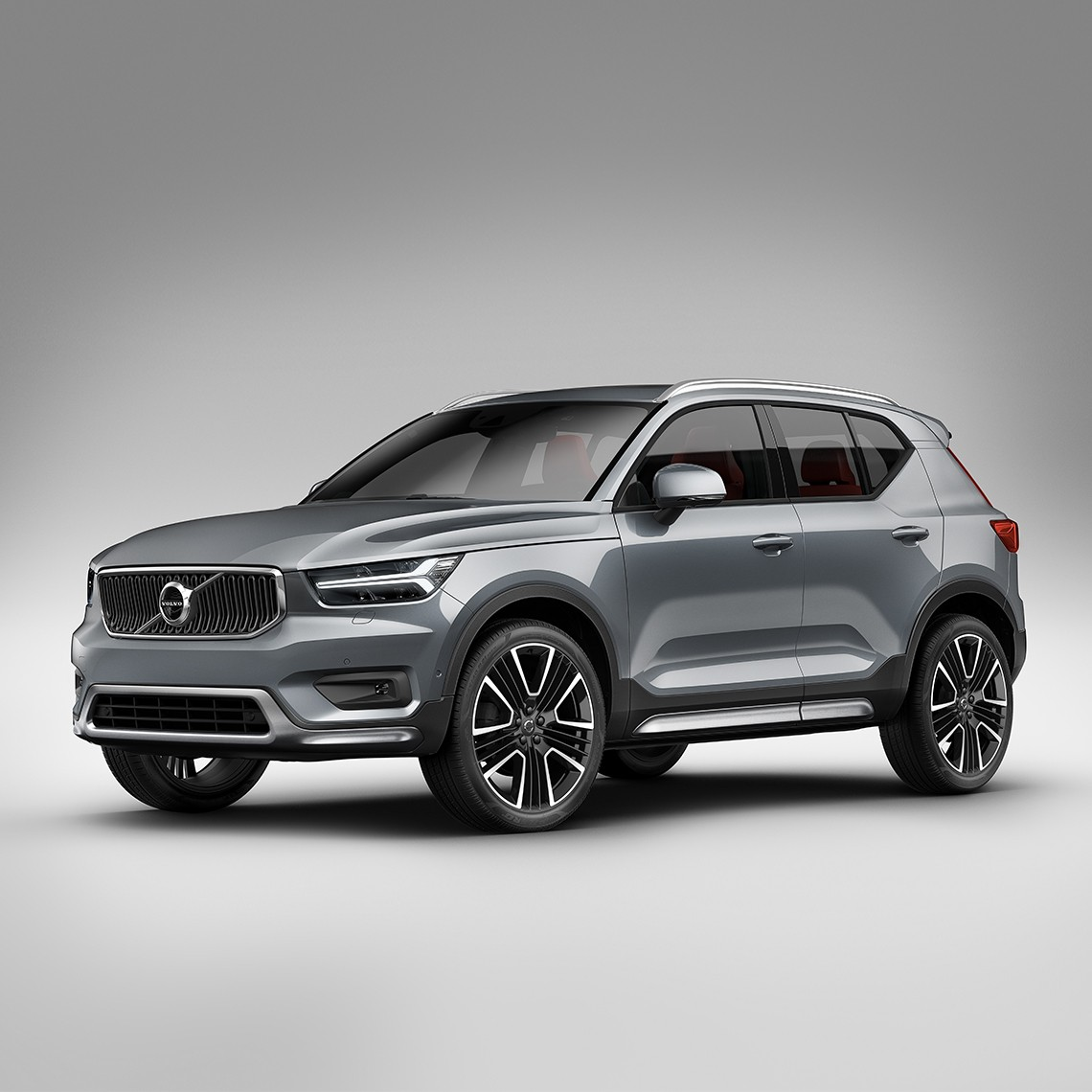 Volvo Adds Exterior Styling Kit To XC40