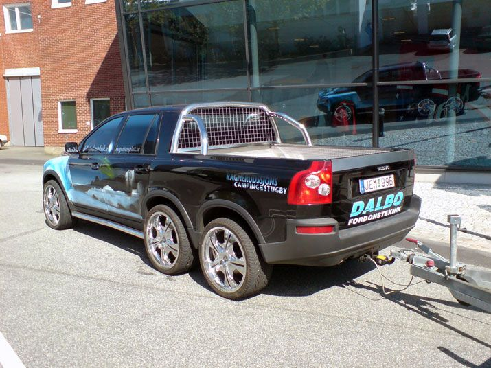 volvo xc60 6x6 and xc70 d5 pickup trucks are cool. Black Bedroom Furniture Sets. Home Design Ideas