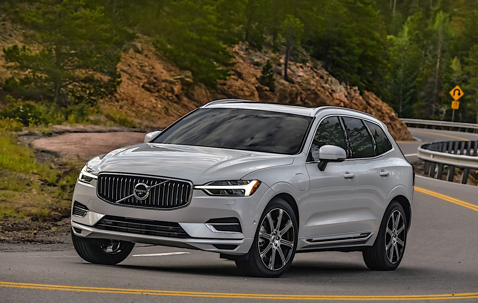 2018 volvo xc60 takes world car of the year title autoevolution. Black Bedroom Furniture Sets. Home Design Ideas