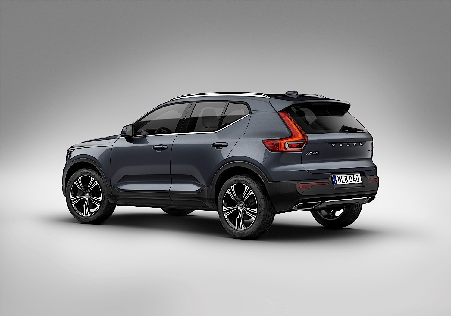 Volvo's First Ever Three-Cylinder Drive-E Engine Debuts on XC40 - autoevolution