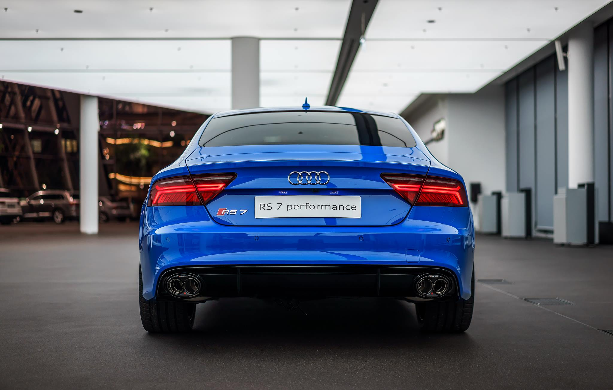 voodoo blue audi rs7 has an interior that belongs in a lamborghini autoevolution. Black Bedroom Furniture Sets. Home Design Ideas