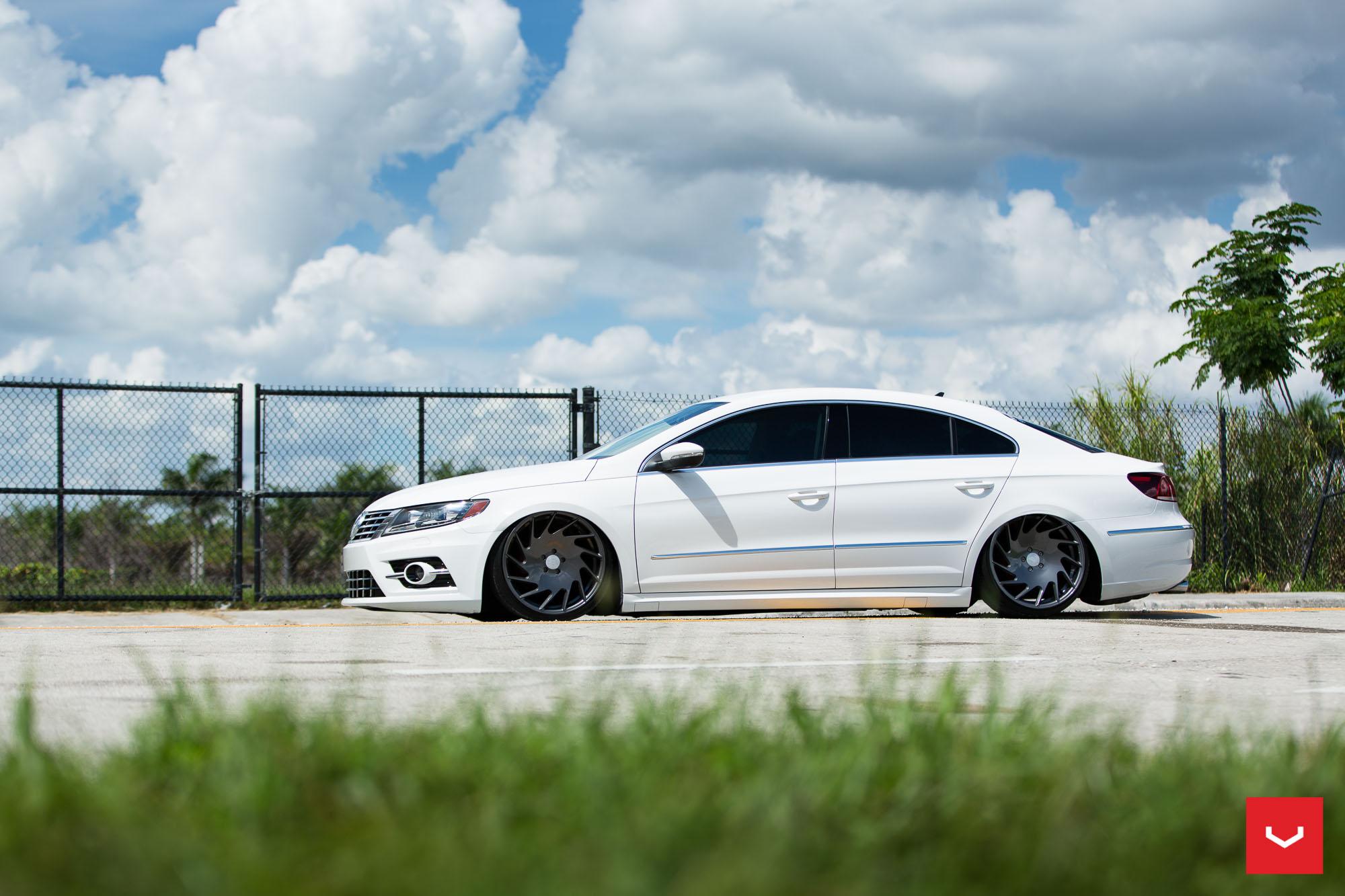 Volkswagen CC R-Line Gets Stanced on Vossen VLE-1 Wheels - autoevolution