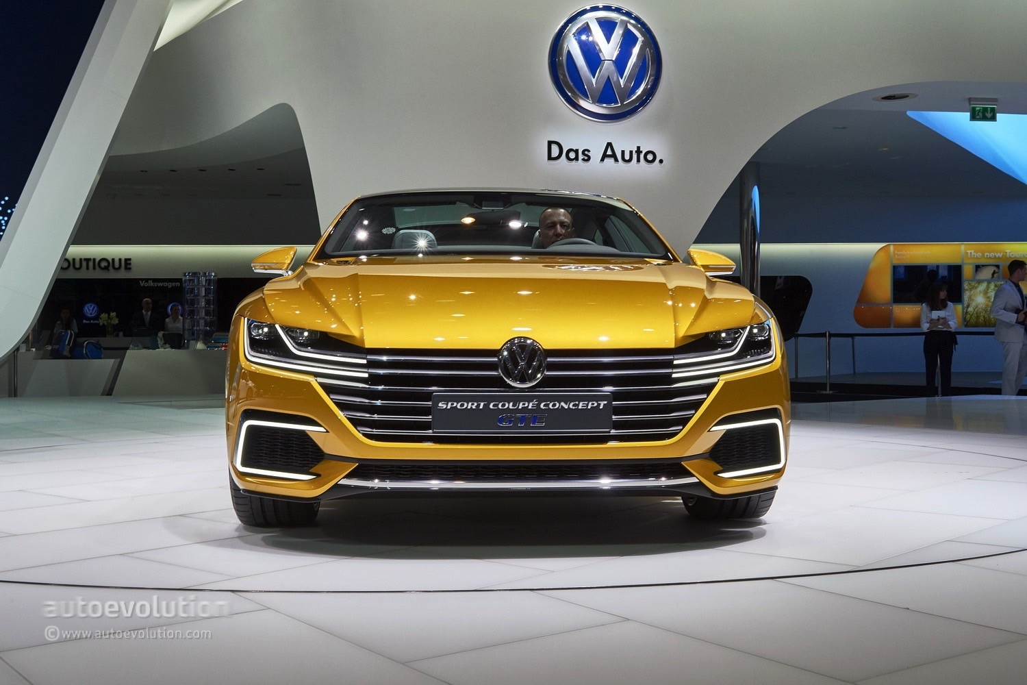 vw arteon shooting brake rendering shows everything that 39 s wrong with it autoevolution. Black Bedroom Furniture Sets. Home Design Ideas