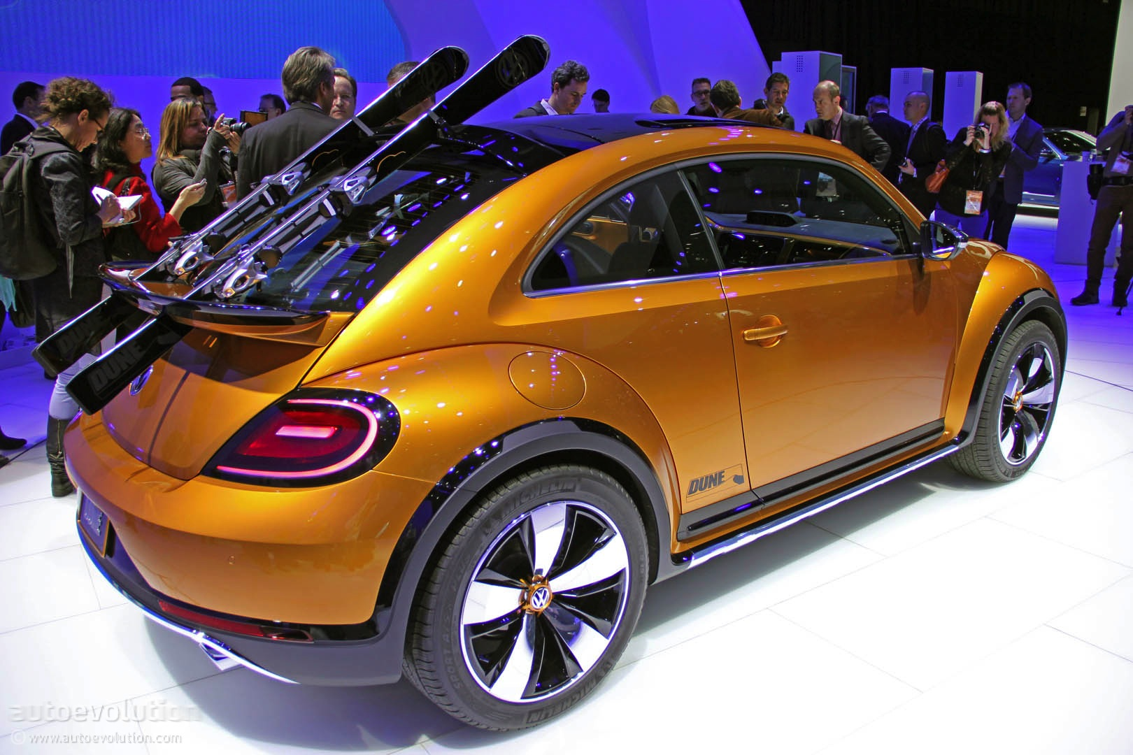 VW Beetle Dune Concept Is an Alltrack Bug [Live Photos ...