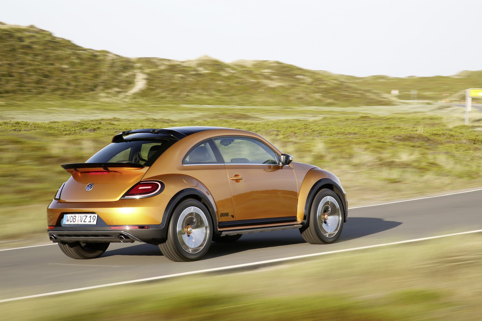 VW Beetle Dune Concept Takes to Beach to Show Its ...