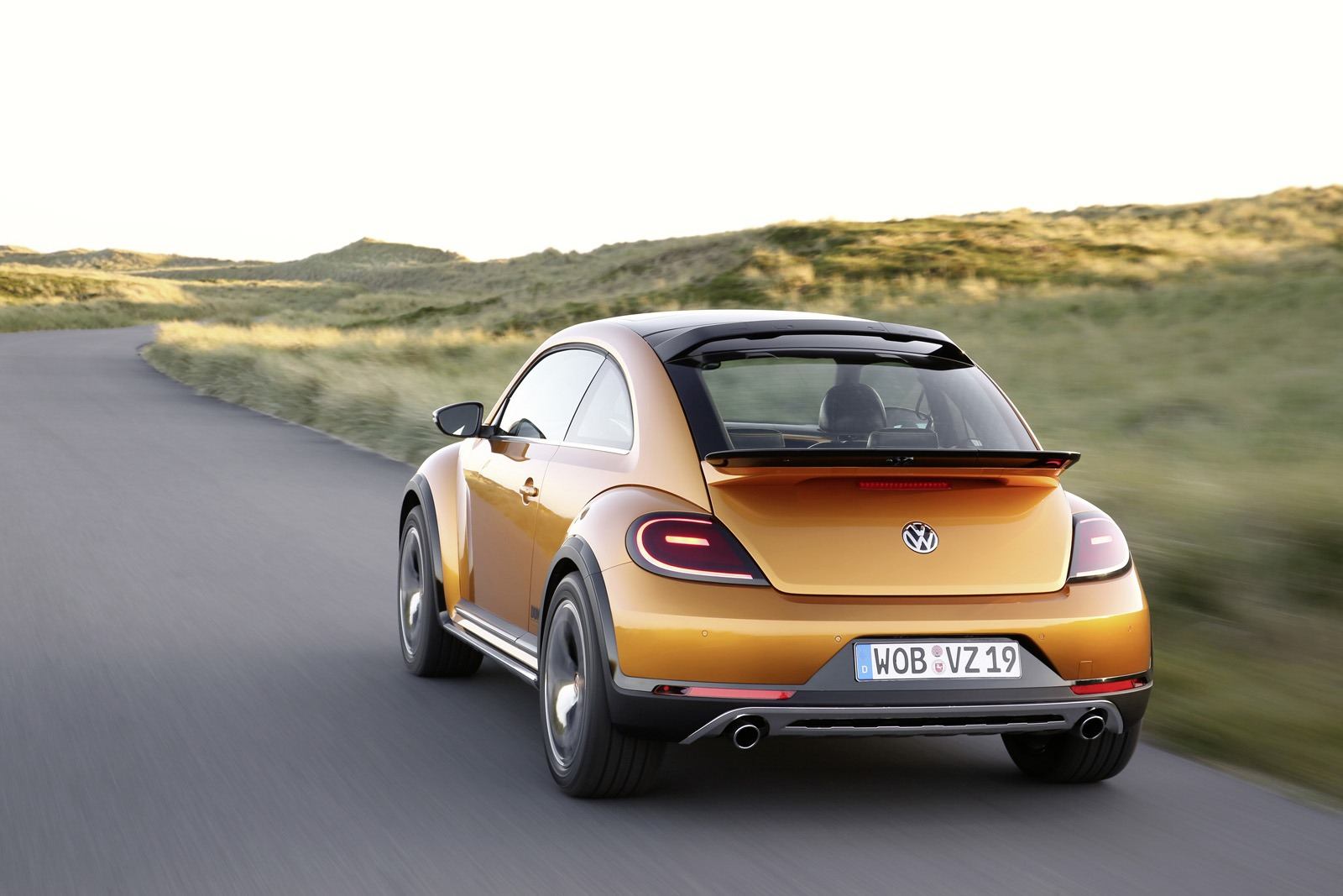 VW Beetle Dune Concept Takes to Beach to Show Its Production Readiness - autoevolution
