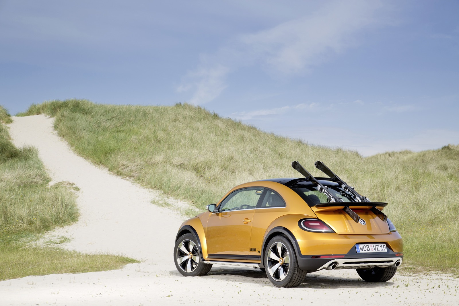Vw Beetle Dune Concept Takes To Beach To Show Its