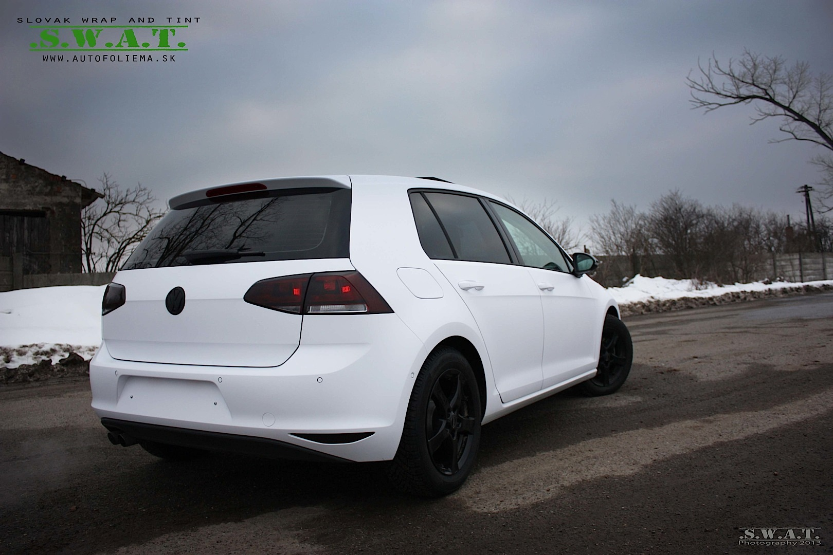 Car Picker White Volkswagen Golf