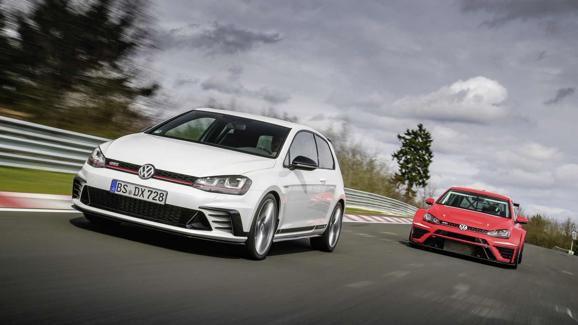 vw golf gti clubsport s revealed sets new nurburgring fwd. Black Bedroom Furniture Sets. Home Design Ideas