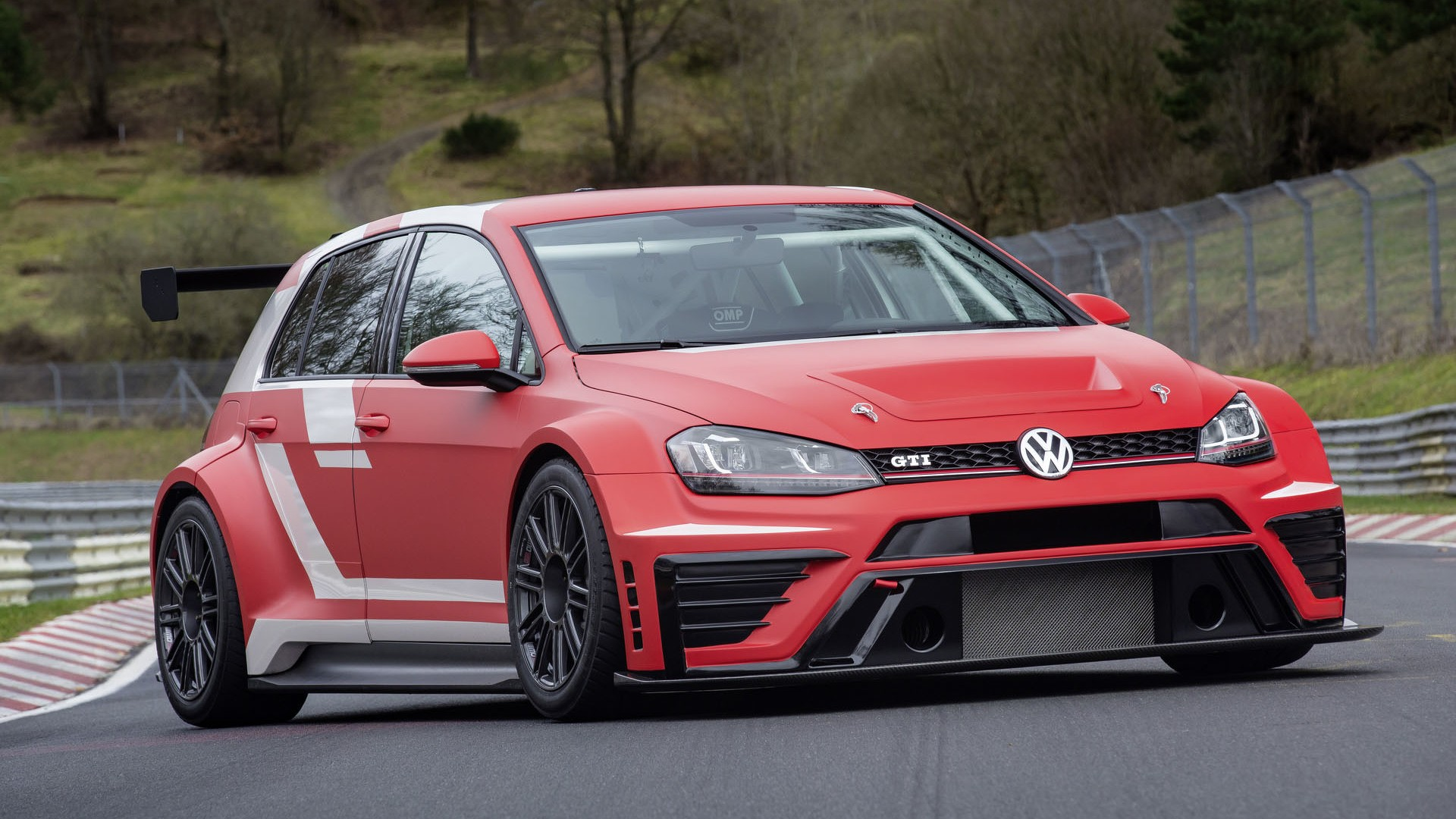 VW Golf GTI Clubsport S Revealed, Sets New Nurburgring FWD Record - autoevolution