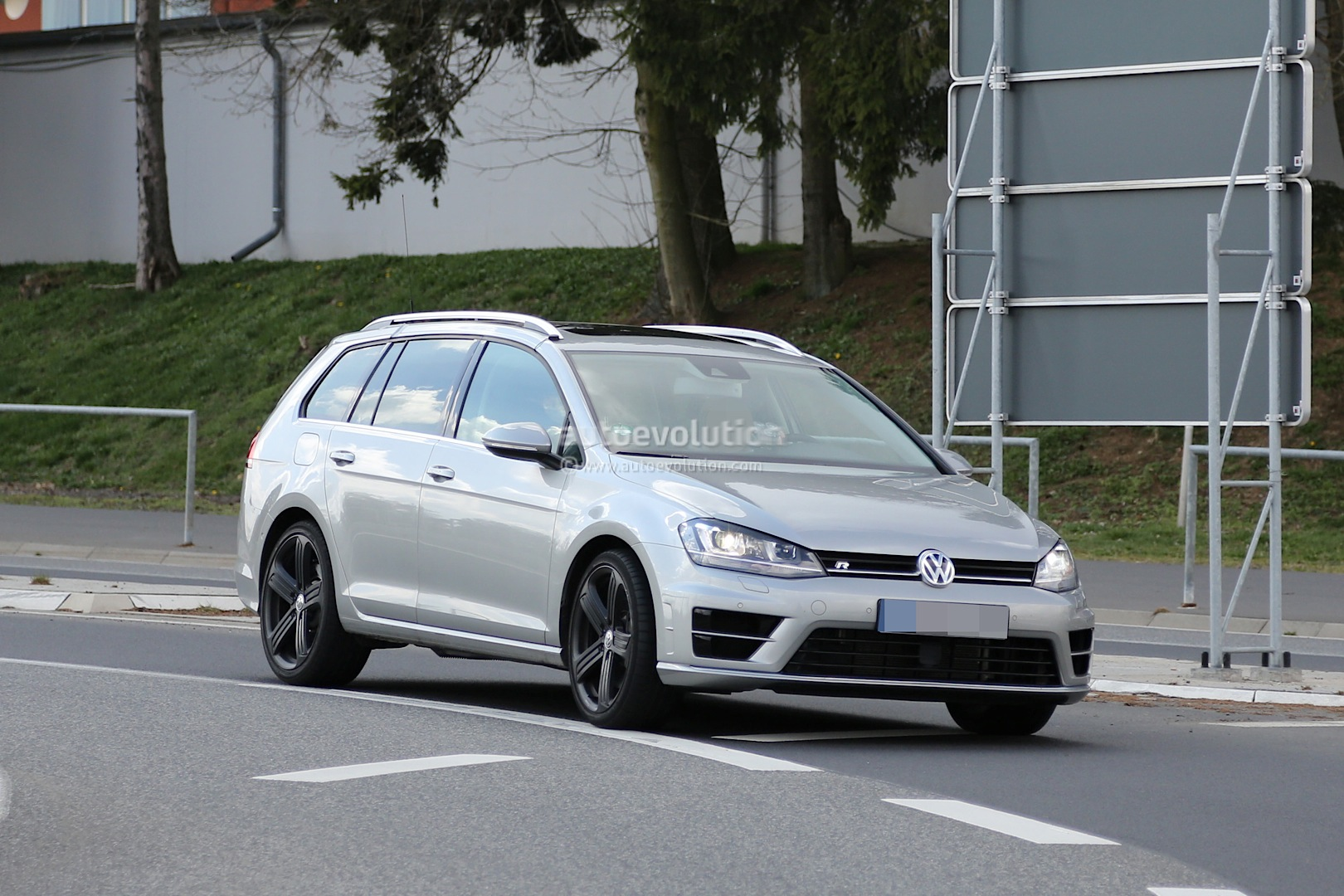 Golf R Estate Hits the Nurburgring as Carmakers Wage War on Boring Family Wagons - autoevolution