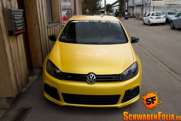 VW Golf R Gets Awesome Sunflower Yellow Wrap - autoevolution
