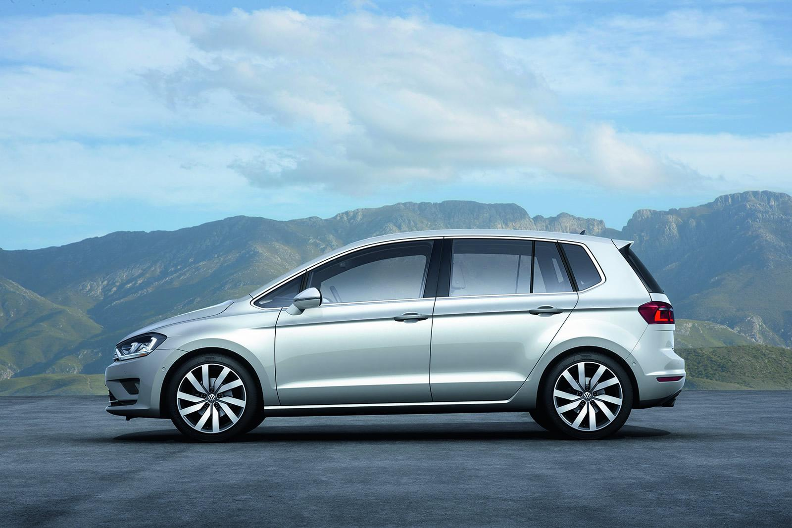 vw golf sportsvan concept unveiled is actually the golf. Black Bedroom Furniture Sets. Home Design Ideas