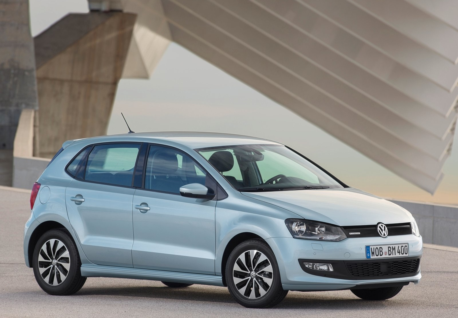 vw launches 2015 polo tsi bluemotion with 1 liter turbo. Black Bedroom Furniture Sets. Home Design Ideas