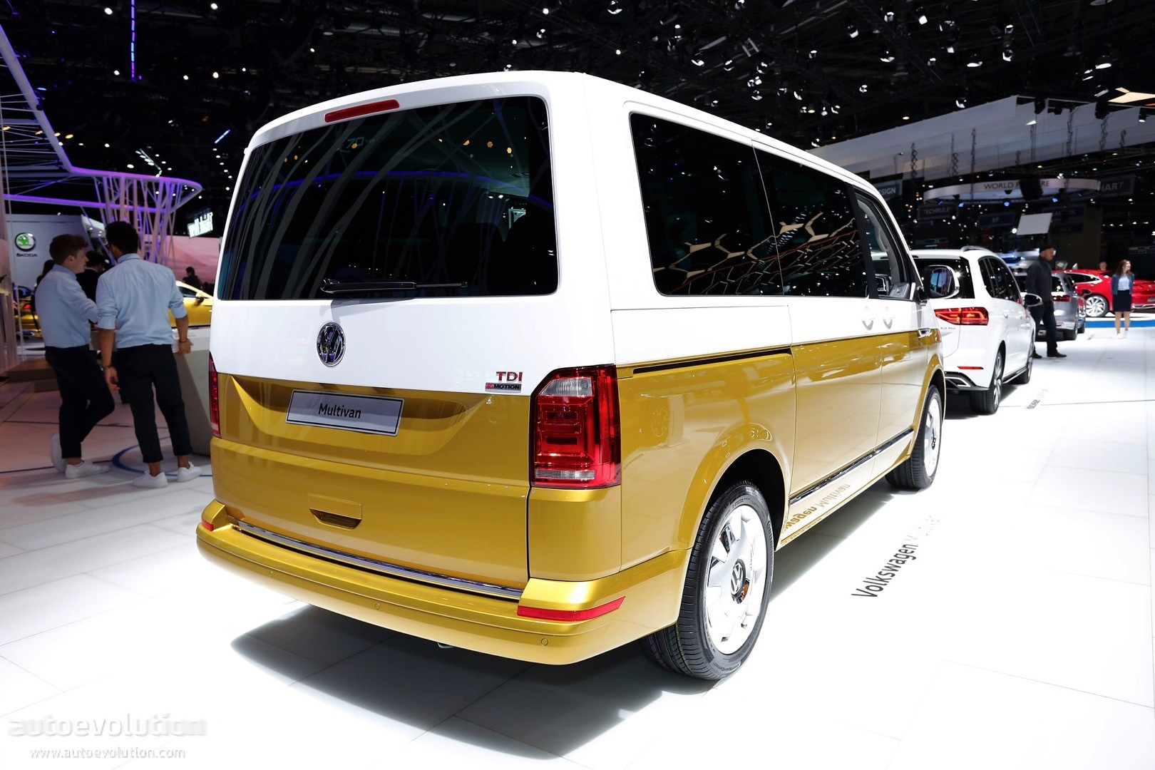 vw multivan 70 years of the bulli special edition is the coolest van in geneva autoevolution. Black Bedroom Furniture Sets. Home Design Ideas