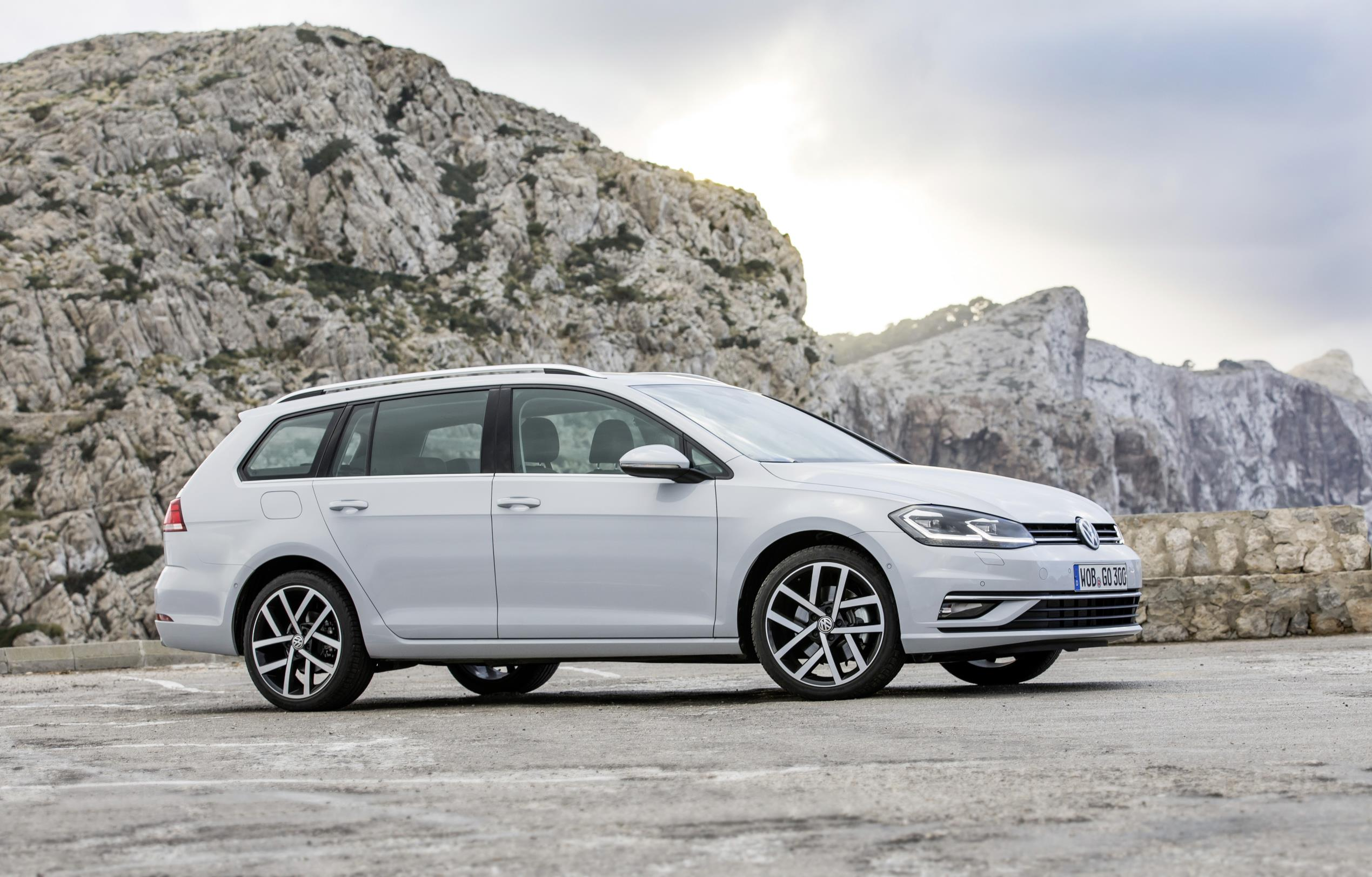 vw prices golf mk7 facelift in the uk starts from 17 625 autoevolution. Black Bedroom Furniture Sets. Home Design Ideas