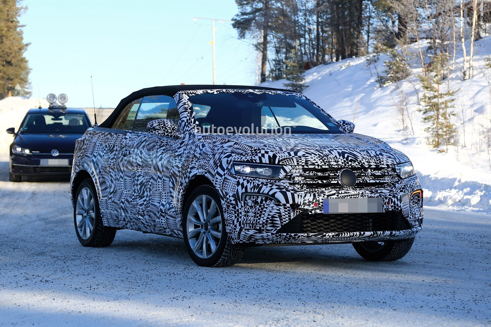 vw t roc cabrio caught cold weather testing in scandinavia. Black Bedroom Furniture Sets. Home Design Ideas