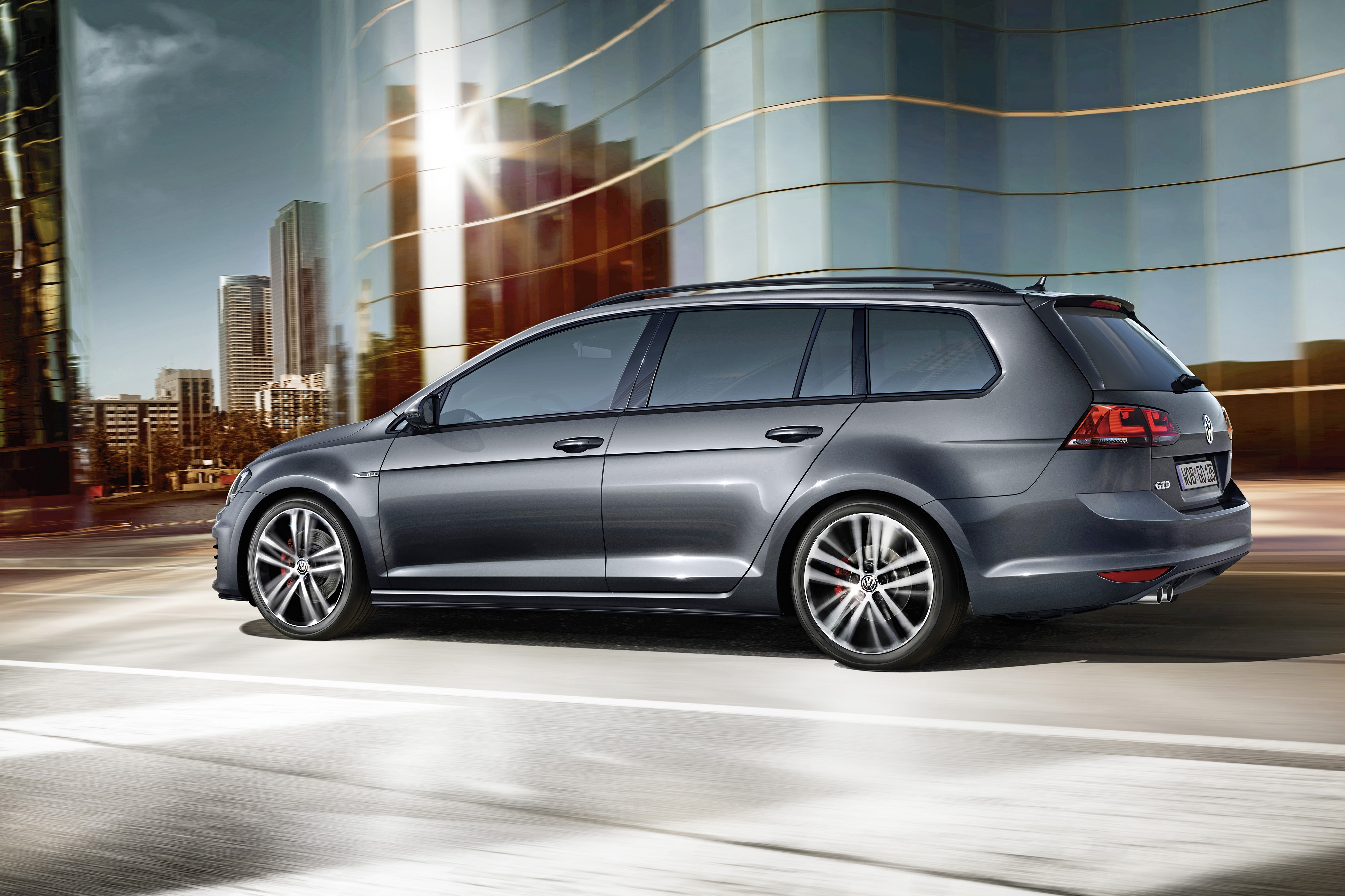 vw unveils 2015 golf gtd variant to fight peugeot 308 gt and ford focus st diesel rivals